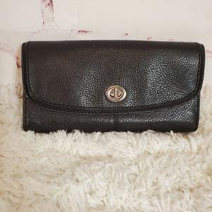 Coach Pebble Leather Turnlock Wallet Black